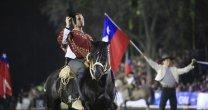 Las aplaudidas actuaciones de la Escuadra Palmas de Peñaflor en la Semana de la Chilenidad